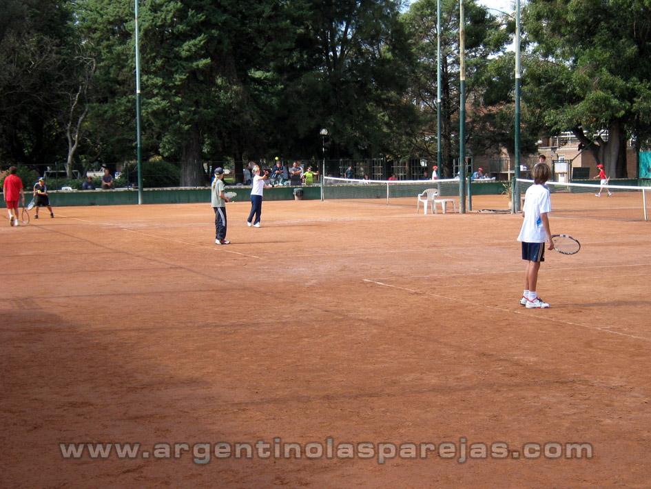 El torneo de dobles pasó por el Bosque