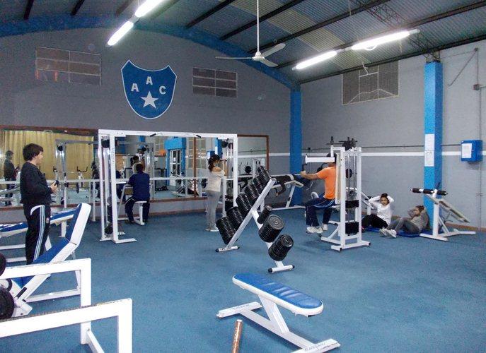 Imagenes de gimnasios de musculacion dietas de nutricion for Gimnasio villaviciosa de odon